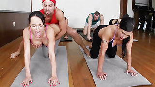 Yoga professor and 4 sizzling college girls with meaty cupcakes