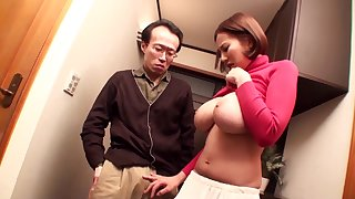 Ruri Saijo - Asian mom enjoys her hardcore adventure and cum