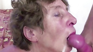 Youthfull Gerontophile's beggar meat spews In overambitious grandma facehole best sex
