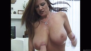 Brunette Kelly Madison wants to show off her cock sucking skills