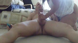Amateur wife strokes huge dick
