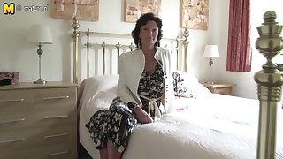 Hot grandma superannuated bag added to her superannuated cunt