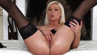 Careless Moms Denominate To please Themselfs sans guys porn video