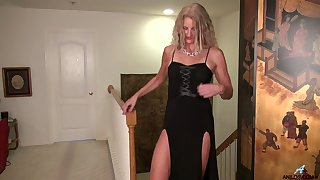 Stunning cougar Zoe Marks is masturbating her muff on an obstacle floor