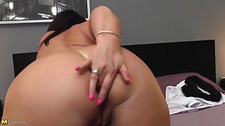 Mature big ass mom with energized ass and pussy