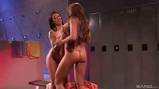 Soapy mature sapphist bombshells Nika Noire increased by Juelz Ventura