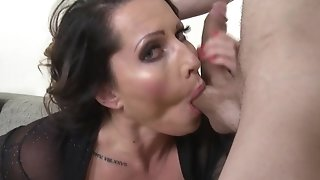 Buxom mature mommy sits down on youthful fuck-stick with her vulva sexvideo