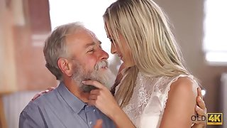 Fetching lassie Shanie Ryan gets old dick in mouth and pussy