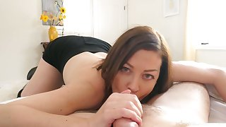 Beautiful naturally horny wife Sovereign Syre gives a fantastic blowjob