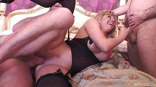 Mature sucks dick and fucks in mutual threesome