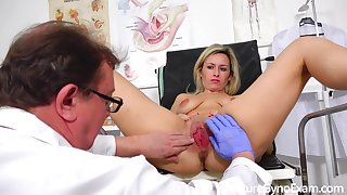 Real screwing machine orgasm of shy blond hair babe mom in gyno chair